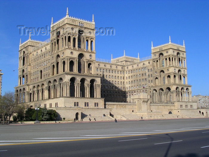 azer516: Baku, Azerbaijan: Government House on Azadlig square - photo by G.Monssen - (c) Travel-Images.com - Stock Photography agency - Image Bank