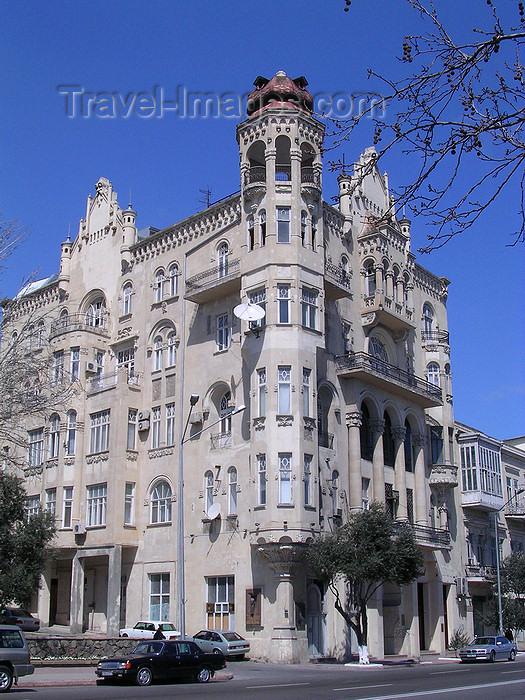 azer530: Baku, Azerbaijan: Gadjinskii house - Issa-bey Hajinski Residence - Neftchilar av. - Charles de Gaulle stayed here 1944 - photo by G.Monssen - (c) Travel-Images.com - Stock Photography agency - Image Bank
