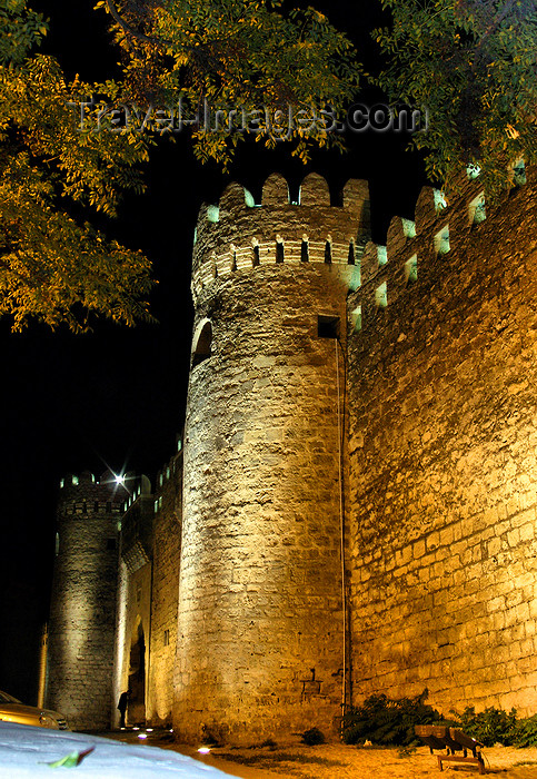 azer546: Baku, Azerbaijan: wall of the old city - UNESCO world heritage - nocturnal - photo by N.Mahmudova - (c) Travel-Images.com - Stock Photography agency - Image Bank