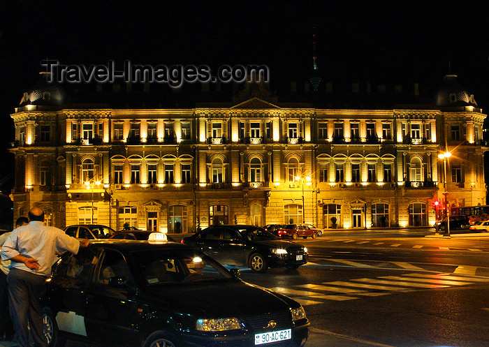 azer550: Baku, Azerbaijan: SOCAR building - State Oil Company of Azerbaijan Republic - Azneft square - nocturnal - photo by N.Mahmudova - (c) Travel-Images.com - Stock Photography agency - Image Bank