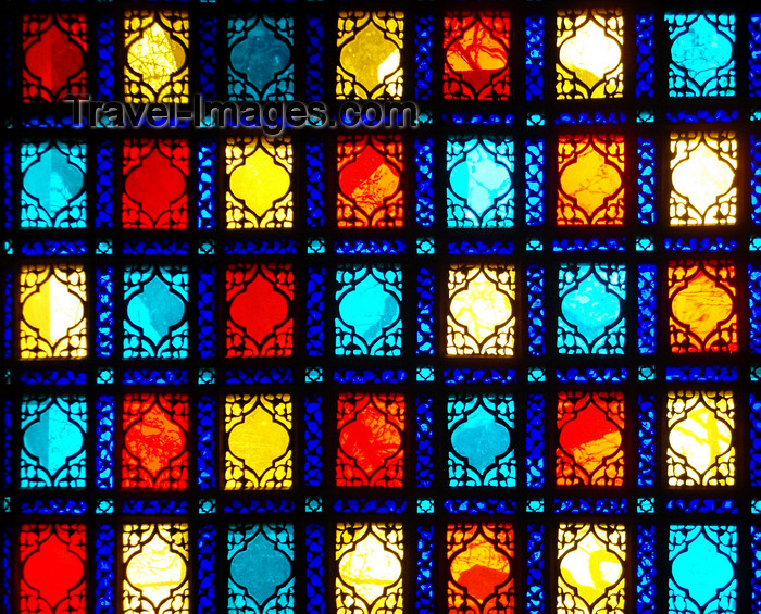 azer553: Sheki / Shaki - Azerbaijan: Sheki Khans' Summer palace - checkered shebeke window - Khansarai - photo by N.Mahmudova - (c) Travel-Images.com - Stock Photography agency - Image Bank
