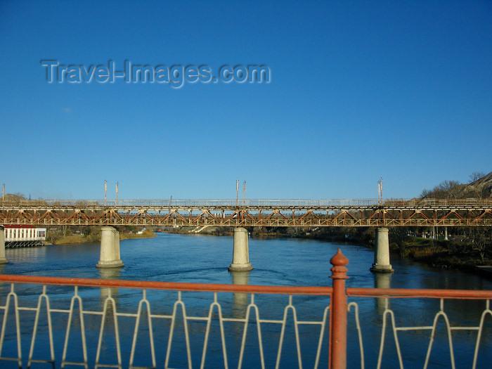 azer565: Mingechaur / Mingechevir - Azerbaijan: bridge over the Kura river - photo by N.Mahmudova - (c) Travel-Images.com - Stock Photography agency - Image Bank