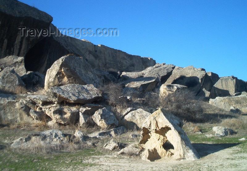 azer87: Azerbaijan - Gobustan / Qobustan / Kobustan: Gobustan: rocky landscape (photo by Rashad Khalilov) - (c) Travel-Images.com - Stock Photography agency - Image Bank