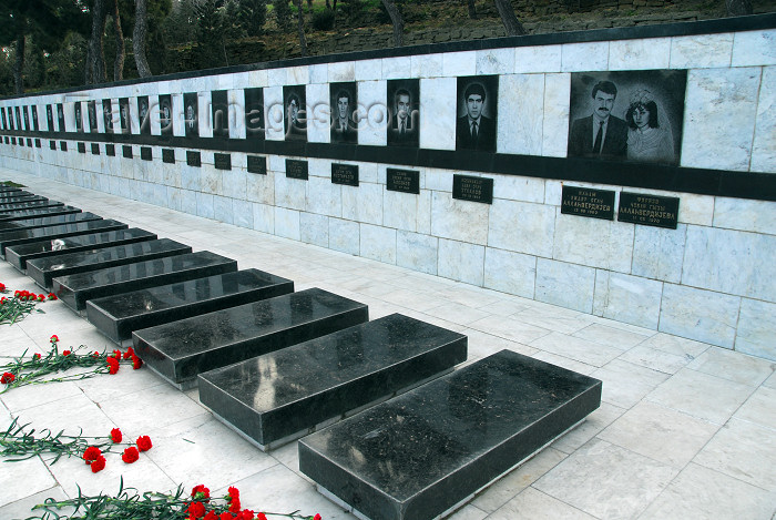azer93: Azerbaijan - Baku: Black January victims graves on Martyrs' Lane - Shahidlar Hiyabany - photo by M.Torres - (c) Travel-Images.com - Stock Photography agency - Image Bank