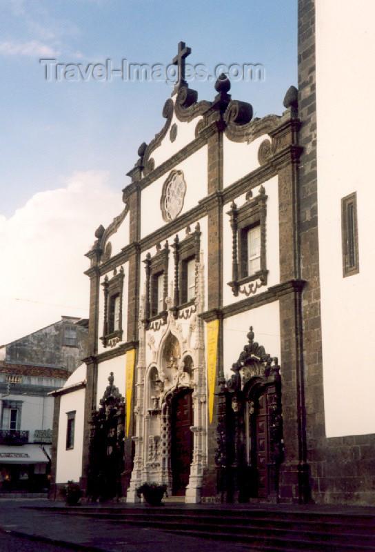 azores10: Azores - Portugal - São Miguel - Ponta Delgada:  Main Church - St. Sebastian / Igreja Matriz de São Sebastião - photo by M.Torres - (c) Travel-Images.com - Stock Photography agency - Image Bank