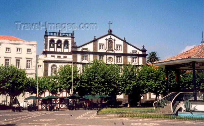 azores18: Azores - Portugal - Açores - Ponta Delgada: St. Joseph church / Igreja de são José na Praça 5 de Outubro (Convento Franciscano) - photo by M.Torres - (c) Travel-Images.com - Stock Photography agency - Image Bank