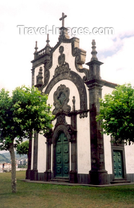 azores9: Azores / Açores - São Miguel - Ponta Delgada: Mother of God Chapel / Ermida da Mãe de Deus - photo by M.Torres - (c) Travel-Images.com - Stock Photography agency - Image Bank