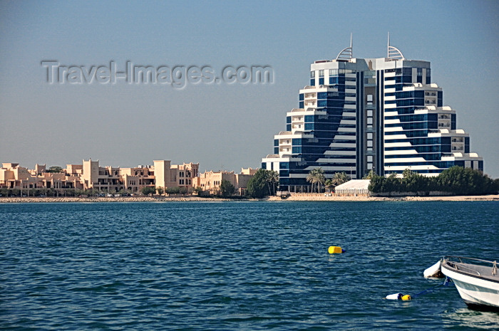 bahrain13: Manama, Bahrain: Elite Resort and Spa and Novotel Al Dana Resort - Sheikh Hamad Causeway - seen from Al Muharraq - photo by M.Torres - (c) Travel-Images.com - Stock Photography agency - Image Bank