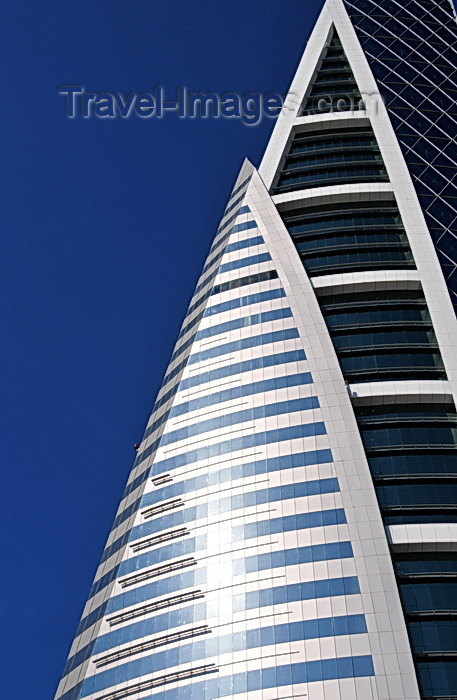 bahrain30: Manama, Bahrain: Bahrain World Trade Center - BWTC - detail of sail shapes on the fa&#231;ade - photo by M.Torres - (c) Travel-Images.com - Stock Photography agency - Image Bank