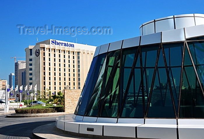 bahrain34: Manama, Bahrain: Bahrain World Trade Center - BWTC - skylight and the Sheraton hotel - photo by M.Torres - (c) Travel-Images.com - Stock Photography agency - Image Bank