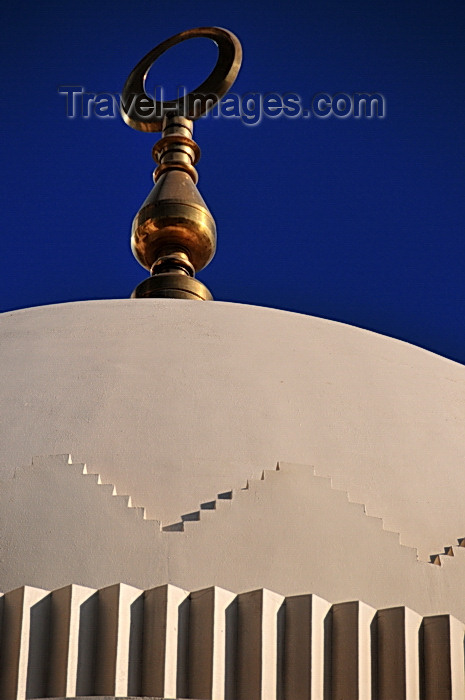 bahrain45: Manama, Bahrain: Yateem Mosque - dome and golden crescent - photo by M.Torres - (c) Travel-Images.com - Stock Photography agency - Image Bank