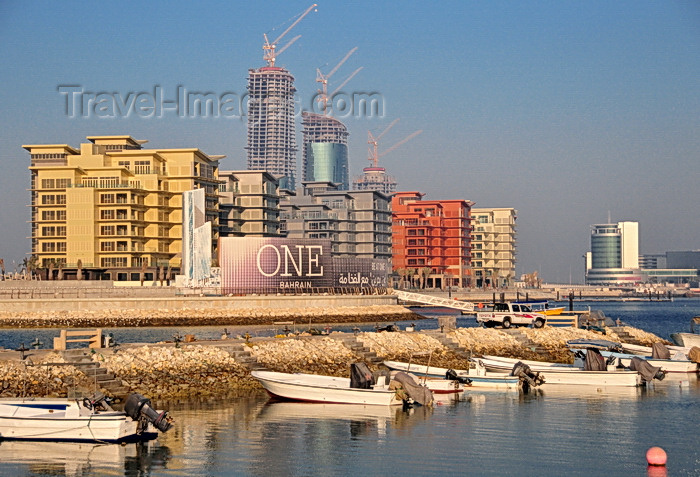 bahrain59: Manama, Bahrain: Reef Island - One Bahrain development - seen from the fishing harbour - Harbour house on the left - photo by M.Torres - (c) Travel-Images.com - Stock Photography agency - Image Bank