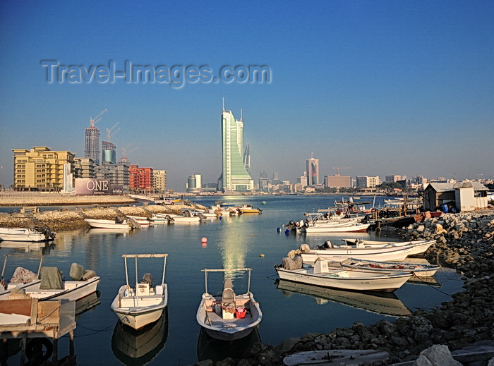 bahrain61: Manama, Bahrain: fishing port and Reef Island - One Bahrain development on the left and BFH towers in the center - photo by M.Torres - (c) Travel-Images.com - Stock Photography agency - Image Bank