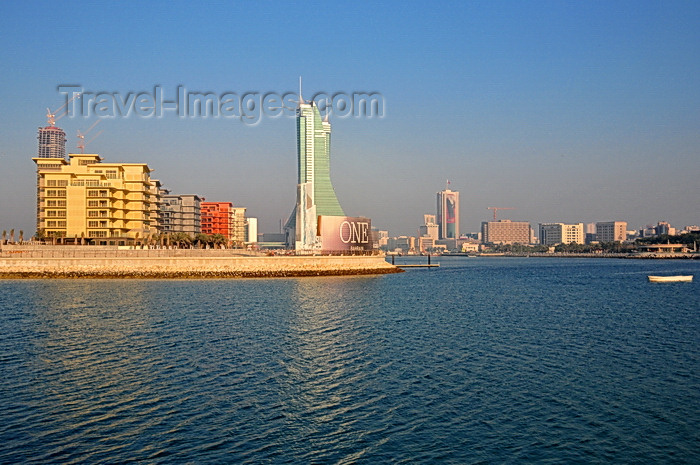 bahrain64: Manama, Bahrain: Reef Island - One Bahrain development on the left and BFH towers in the center - Manama skyline - late afternoon light in the fishing harbour - photo by M.Torres - (c) Travel-Images.com - Stock Photography agency - Image Bank