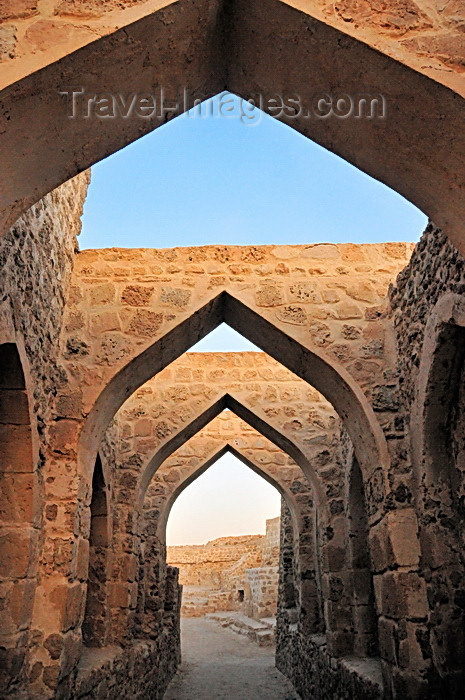 bahrain72: Manama, Bahrain: arches inside Portugal Fort - Qal'at al-Bahrain - Qal'at al Portugal - UNESCO World Heritage Site - photo by M.Torres - (c) Travel-Images.com - Stock Photography agency - Image Bank