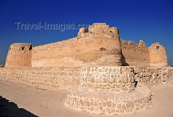 bahrain80: Arad, Muharraq Island, Bahrain: Arad Fort - Jabrid-Portuguese fortress dating from the late 15th century - Qal'at 'Arad - photo by M.Torres - (c) Travel-Images.com - Stock Photography agency - Image Bank