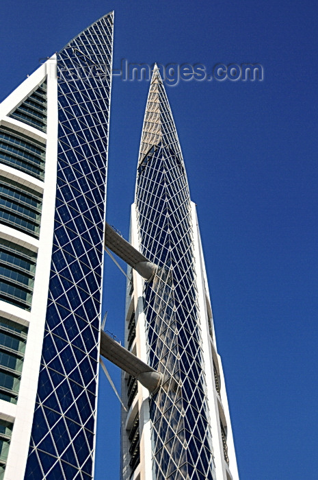 bahrain86: Manama, Bahrain: Bahrain World Trade Center - BWTC - built by architectural firm Atkins - photo by M.Torres - (c) Travel-Images.com - Stock Photography agency - Image Bank