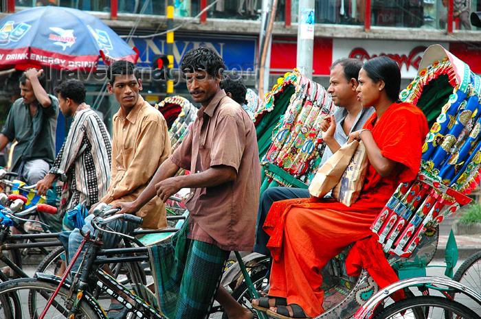 bangladesh1: Dhaka / Dacca, Bangladesh: rickshaws in the old city - Asian street scene - people - photo by K.Osborn - (c) Travel-Images.com - Stock Photography agency - Image Bank