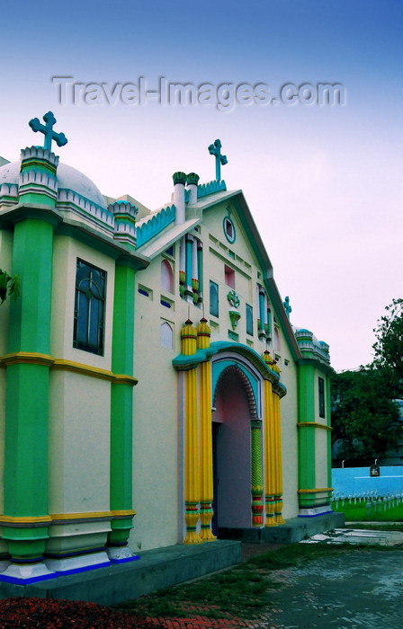 bangladesh8: Dakha / Dacca, Bangladesh: façade of the Holy Rosary Catholic Church / Tejgaon Church -  Farmgate - photo by M.Torres - (c) Travel-Images.com - Stock Photography agency - Image Bank