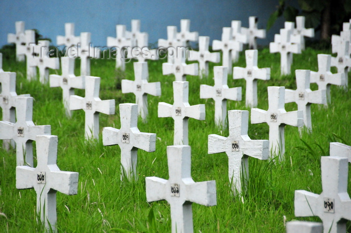 bangladesh9: Dakha / Dacca, Bangladesh: Holy Rosary Catholic Church / Tejgaon Church - field of crosses - Catholic cemetery - photo by M.Torres - (c) Travel-Images.com - Stock Photography agency - Image Bank