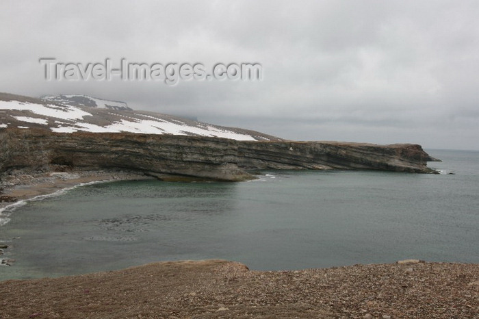 bear-island6: Bear Island / Bjørnøya, Svalbard: beach and cliffs - photo by R.Behlke - (c) Travel-Images.com - Stock Photography agency - Image Bank