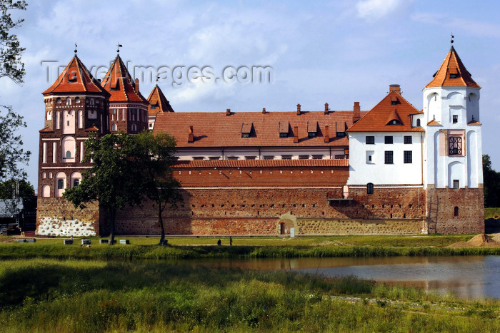 belarus100: Mir, Karelicy raion, Hrodna Voblast, Belarus: Mir Castle Complex - Gothic, Renaissance and Baroque architecture - UNESCO World Heritage Site - photo by A.Dnieprowsky - (c) Travel-Images.com - Stock Photography agency - Image Bank