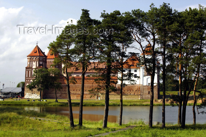 belarus101: Mir, Karelicy raion, Hrodna Voblast, Belarus: Mir Castle and trees - UNESCO World Heritage Site - photo by A.Dnieprowsky - (c) Travel-Images.com - Stock Photography agency - Image Bank