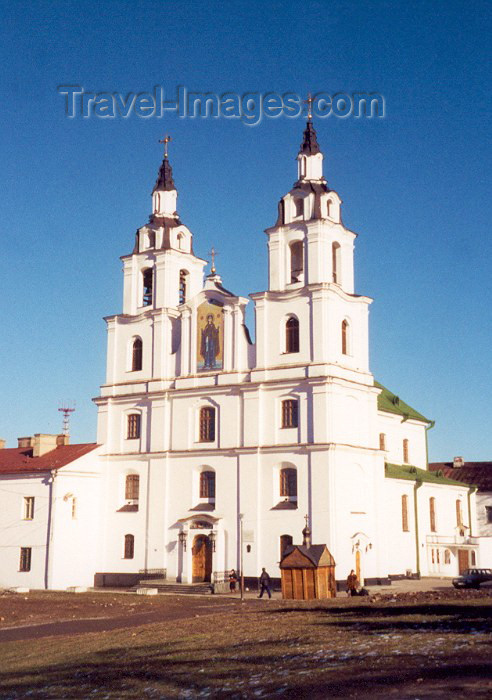 belarus11: Belarus - Minsk: glory in white - Cathedral of the Holy Ghost / St Dukhawski (photo by Miguel Torres) - (c) Travel-Images.com - Stock Photography agency - Image Bank