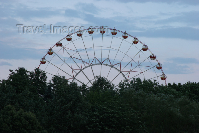 belarus37: Belarus - Minsk - Ferris wheel - photo by A.Stepanenko - (c) Travel-Images.com - Stock Photography agency - Image Bank