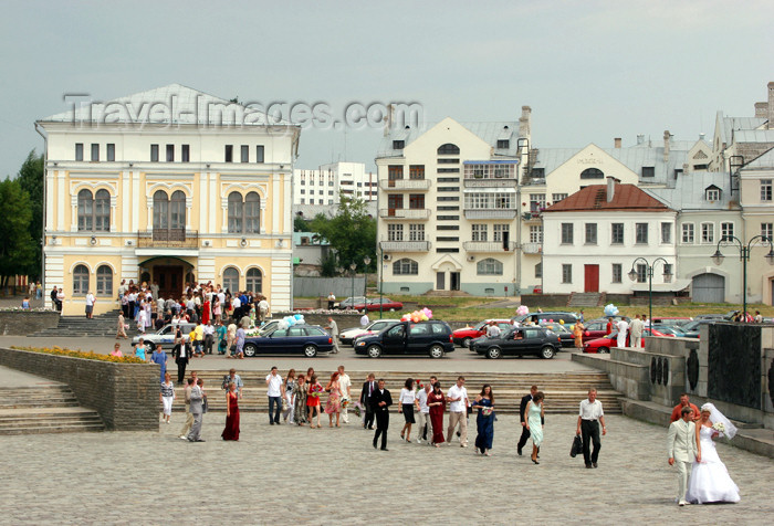 belarus68: Belarus - Mogilev - Weddings - photo by A.Stepanenko - (c) Travel-Images.com - Stock Photography agency - Image Bank