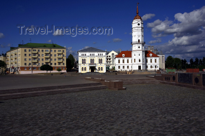 belarus70: Mogilev, Mahilyow Voblast, Belarus: central square - old town hall and weddings palace - photo by A.Dnieprowsky - (c) Travel-Images.com - Stock Photography agency - Image Bank