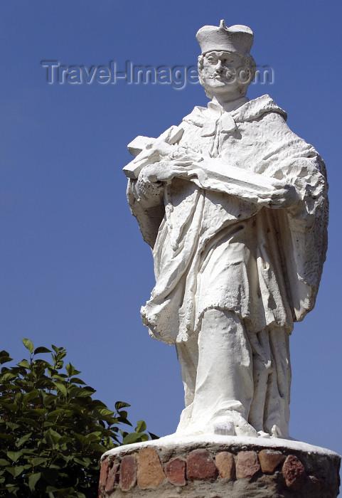 belarus94: Nesvizh / Nyasvizh, Minsk Voblast, Belarus: priest statue - photo by A.Dnieprowsky - (c) Travel-Images.com - Stock Photography agency - Image Bank
