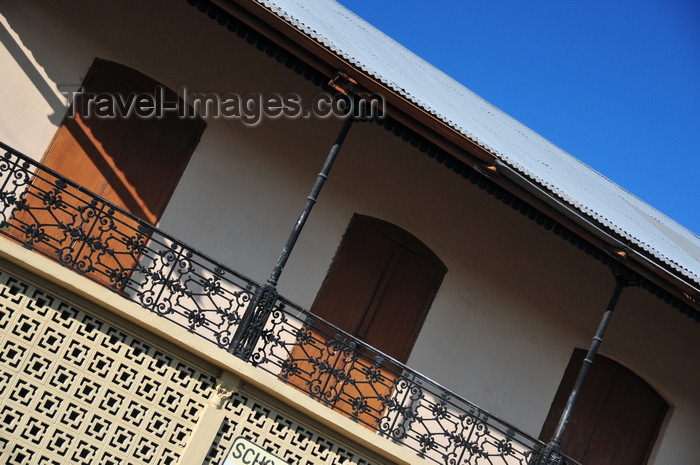 belize121: Belize City, Belize: colonial veranda - Catholic school - N Front St. - photo by M.Torres - (c) Travel-Images.com - Stock Photography agency - Image Bank