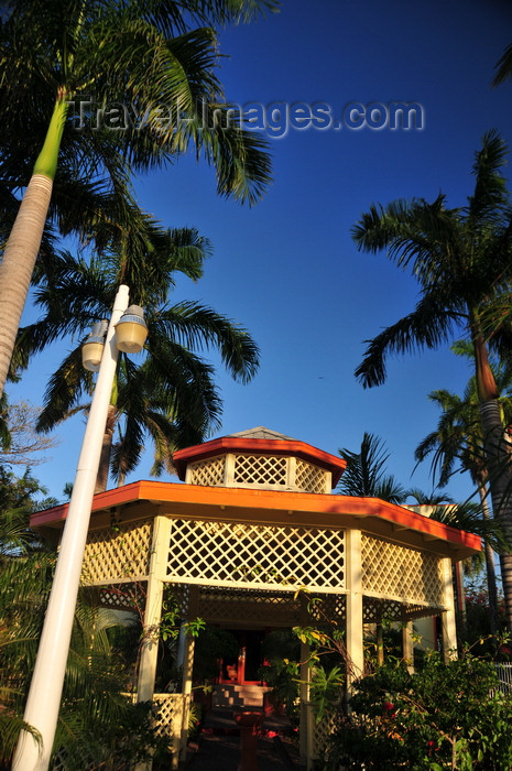 belize134: Belize City, Belize: gazebo at the Radisson hotel - photo by M.Torres - (c) Travel-Images.com - Stock Photography agency - Image Bank