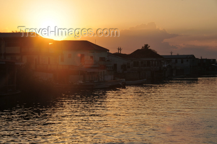 belize139: Belize City, Belize: sunset on Haulover Creek - photo by M.Torres - (c) Travel-Images.com - Stock Photography agency - Image Bank