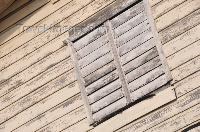 belize142: Belize City, Belize: detail of an old timber house on Orange st - photo by M.Torres - (c) Travel-Images.com - Stock Photography agency - Image Bank