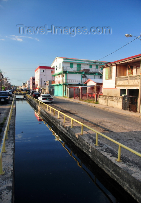 belize147: Belize City, Belize: Southside Canal - photo by M.Torres - (c) Travel-Images.com - Stock Photography agency - Image Bank