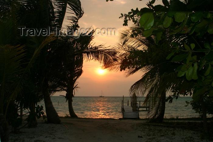 belize22: Belize - Caye Caulker: awating dock -sunset - photo by C.Palacio - (c) Travel-Images.com - Stock Photography agency - Image Bank