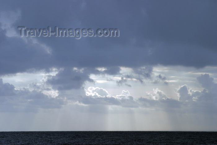 belize28: Belize - Seine Bight: clouds above the Caribbean sea - photo by C.Palacio - (c) Travel-Images.com - Stock Photography agency - Image Bank