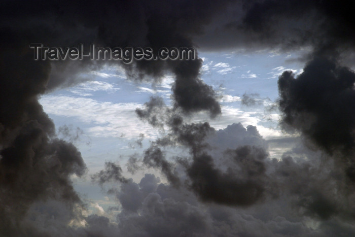 belize29: Belize - Seine Bight: clouds of confusion - photo by Charles Palacio - (c) Travel-Images.com - Stock Photography agency - Image Bank