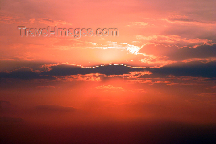 belize35: Belize - Seine Bight: inspiration red sky - sunset - Caribbean sea - Placencia Peninsula in the Stann Creek District of southern Belize - photo by Charles Palacio - (c) Travel-Images.com - Stock Photography agency - Image Bank