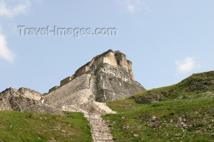 belize40: Belize - Xunantinich, Cayo district: Mayan pyramid - ruin - under 'El Castillo' - ruinas maias - photo by C.Palacio - (c) Travel-Images.com - Stock Photography agency - Image Bank