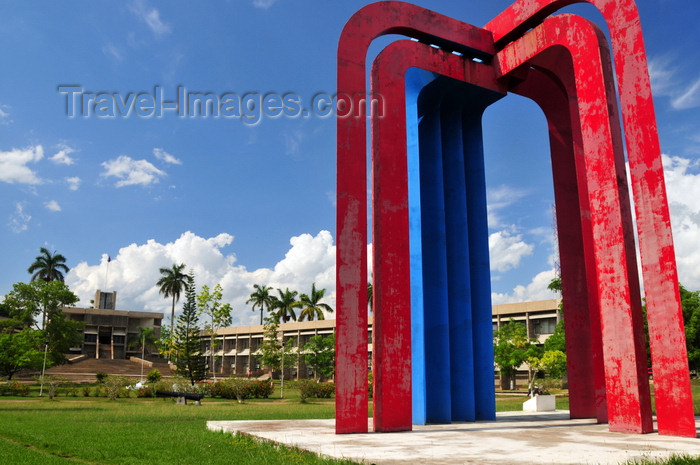 belize53: Belmopan, Cayo, Belize: Belize-Mexican Monument, parliament and government offices - Memorial Park and Independence Plaza - photo by M.Torres - (c) Travel-Images.com - Stock Photography agency - Image Bank