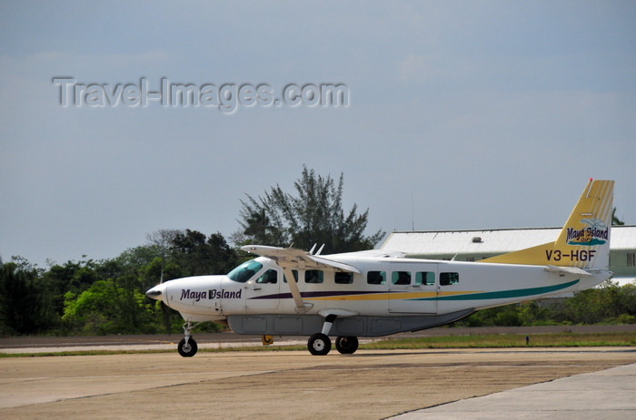 belize6: Belize City, Belize: Cessna 208 Caravan - Maya Island Air - V3-HGF - Philip S. W. Goldson International Airport - photo by M.Torres - (c) Travel-Images.com - Stock Photography agency - Image Bank