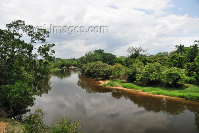 belize66: San Ignacio, Cayo, Belize: River Macal - looking north, towards the new bridge - photo by M.Torres - (c) Travel-Images.com - Stock Photography agency - Image Bank