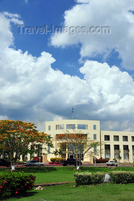 belize69: Belmopan, Cayo, Belize: Sir Edney Cain Building - main government building, housing the offices of the Prime Minister, Ministries of Finance, Budget Planning, Foreign Affairs, Economic Development, Trade, Industry and Commerce... - photo by M.Torres - (c) Travel-Images.com - Stock Photography agency - Image Bank