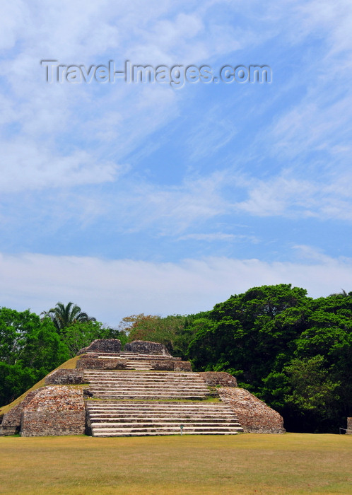 belize76: Altun Ha Maya city, Belize District, Belize: Plaza A - pyramid A-3 - Mayan temple of wind - photo by M.Torres - (c) Travel-Images.com - Stock Photography agency - Image Bank