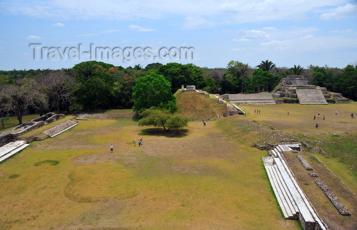 belize86: Altun Ha Maya city, Belize District, Belize: view of Plazas A an B from the top of the Temple of the Masonry Altars - Mesoamerican archaeological site near Rockstone Pond village comprising over 500 structures - photo by M.Torres - (c) Travel-Images.com - Stock Photography agency - Image Bank