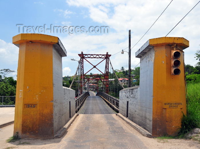 belize95: San Ignacio, Cayo, Belize: Hawksworth Bridge - Macal River - Western Highway - photo by M.Torres - (c) Travel-Images.com - Stock Photography agency - Image Bank