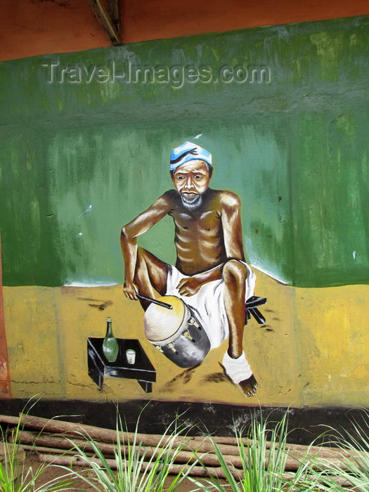 benin14: Porto-Novo, Benin: Alexandre Sènou Adandé Ethnographic Museum - drummer - mural - photo by G.Frysinger - (c) Travel-Images.com - Stock Photography agency - Image Bank